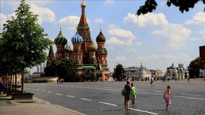 Ρωσία: Χαλαρώνουν τα μέτρα στη Μόσχα - Ανοιχτά μπαρ, εστιατόρια και νυχτερινά κέντρα