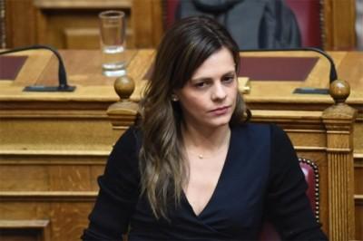 Αχτσιόγλου: Ο  Σταϊκούρας αδυνατεί να υπερασπιστεί τον Προϋπολογισμό που κατέθεσε