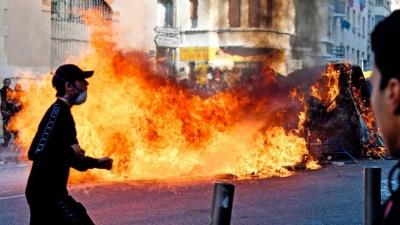 Γαλλία: Νέα αυστηρότερα ασφαλείας υιοθετεί η κυβέρνηση, μετά τα βίαια επεισόδια στις διαδηλώσεις των «κίτρινων γιλέκων»