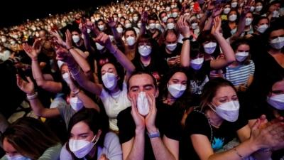 Βρετανία: Μόνο 15 άνθρωποι από τους 60.000 που συμμετείχαν σε «δοκιμαστικές» συναθροίσεις βρέθηκαν θετικοί στον κορωνοϊό