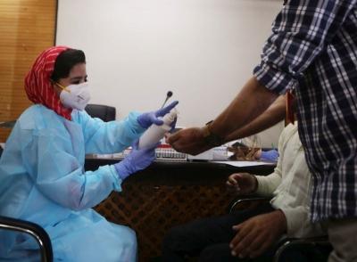 Ινδία - Έρευνα: Τα δύο τρίτα του πληθυσμού έχουν αντισώματα κατά του κορωνοϊού