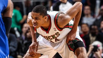 Αντετοκούνμπο: Πάνω από 300.000 ευρώ κοστίζει υπογεγραμμένη κάρτα από τη rookie του χρονιά στο NBA (pics)