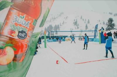 Εγκαίνια του 1ου Πανελληνίου Τουρνουά Snow Volley με λουξ plus 'n light tea