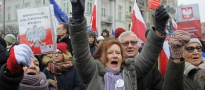 Πολωνία: Πέρασε από το Κοινοβούλιο ο νόμος που θα απολύει δικαστές που θα αντιτίθενται στην κυβέρνηση
