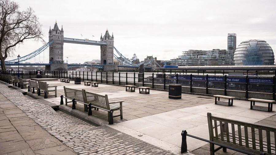 Βρετανία: 20.000 νέα κρούσματα κορωνοΐού και ακόμα  341 θάνατοι