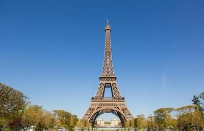 Κορωνοϊός – Γαλλία: Κλείνει ο Πύργος του Eiffel