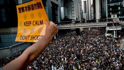 Twitter και Facebook μπλοκάρουν κινεζικούς λογαριασμούς που δυσφήμιζαν τους διαδηλωτές του Χονγκ Κονγκ