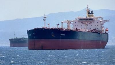 Πειραιάς: Σημαία Μάλτας φέρνει το δεξαμενόπλοιο με τα 16 «εισαγόμενα» κρούσματα