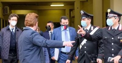 Σε δίκη ο Salvini για τη στέρηση ελευθερίας 147 μεταναστών και την υπόθεση Open Arms