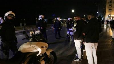Συγκέντρωση στο Σύνταγμα ενάντια στο lockown – 14 προσαγωγές από την αστυνομία
