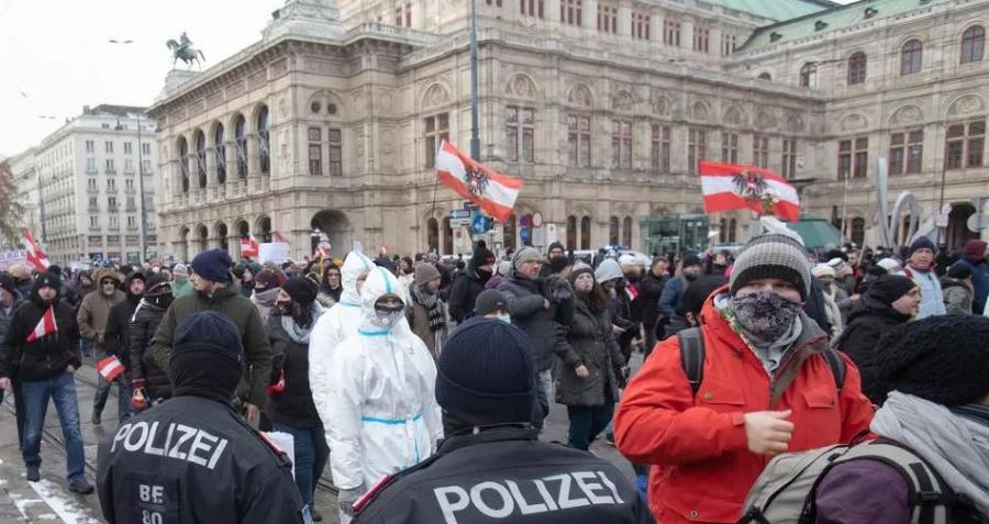 Κορωνοϊός: Μεγάλη διαδήλωση κατά των περιοριστικών μέτρων στη Βιέννη