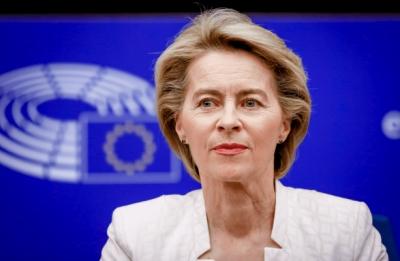 Der Leyen (Κομισιόν): Η ΕΕ έτοιμη να συζητήσει άρση της πατέντας για τα εμβόλια κατά της covid