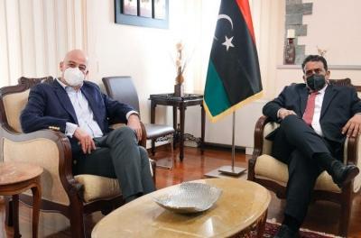 Σε Λιβύη και Αίγυπτο ο Δένδιας - Στο επίκεντρο οι εξελίξεις στην περιοχή