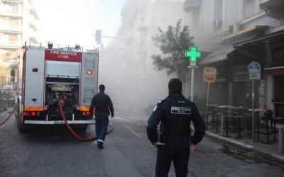 Εμπρηστική επίθεση σε κατάστημα στο κέντρο της Θεσσσαλονίκης - Τι ερευνά η αστυνομία