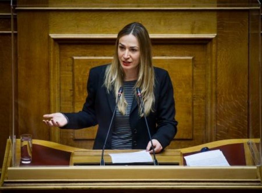 Αγαθοπούλου (ΣΥΡΙΖΑ): Απόλυτο φιάσκο το συνέδριο γονιμότητας – Μισογυνισμός η νέα κανονικότητα Μητσοτάκη