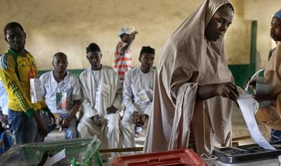 Νιγηρία: Κανονικά διεξάγονται οι προεδρικές εκλογές - Επίθεση σε πόλη και εκρήξεις πριν ανοίξουν οι κάλπες