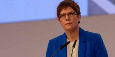 Ρωσικά «πυρά» στη Γερμανίδα υπουργό Άμυνας:  Είναι ένα αδιάβαστο σχολιαρόπαιδο!