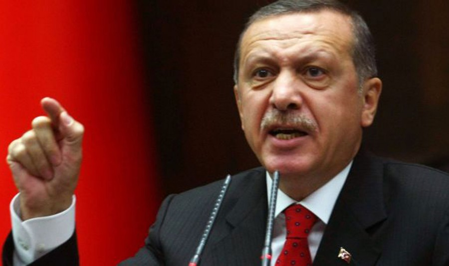 O Erdogan ζητά μποϊκοτάζ γαλλικών προϊόντων... και οι Τούρκοι χλευάζουν τις Hermes της Emine