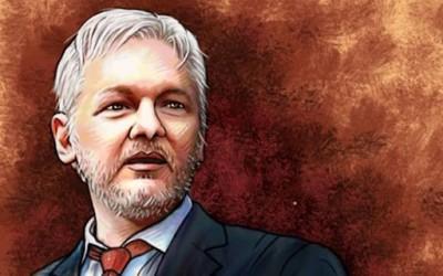 Ο Julian Assange είναι ο ήρωας που χρειαζόμαστε· και δεν μας αξίζει