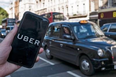 Βρετανία: Δικαστήριο αναγνώρισε πλήρη εργασιακά δικαιώματα για τους οδηγούς της Uber