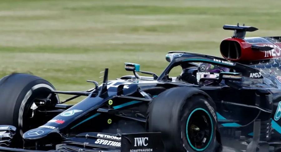 F1: Από την pole position o Hamilton στο Grand Prix του Μπαχρέιν – Δεύτερος ο Bottas, τρίτος ο Verstappen