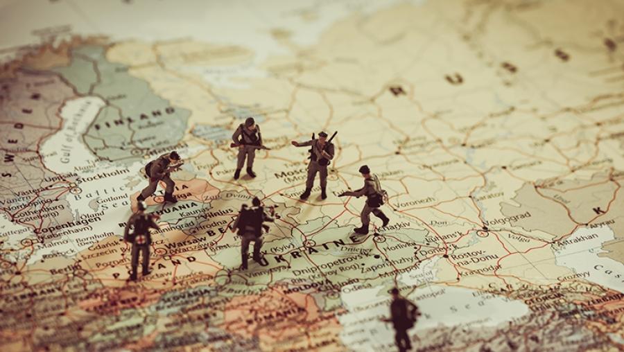 Πρόεδρος Ρουμανίας: Χρειάζεται μεγαλύτερη στρατιωτική παρουσία του ΝΑΤΟ στην Ανατολική Ευρώπη