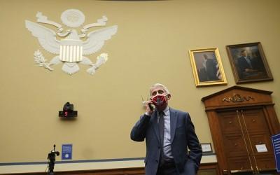 Fauci (ΗΠΑ): Αποδέχτηκα την πρόταση του Joe Biden να παραμείνω στη θέση του επικεφαλής ιατρικού συμβούλου