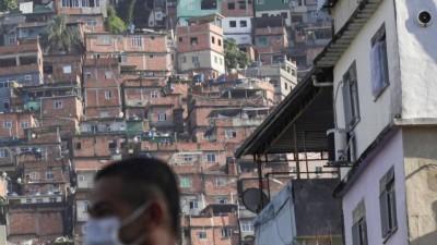 Η δύσκολη μάχη κατά του κορωνοϊού στις παραγκουπόλεις της Λατινικής Αμερικής