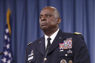 Δραματική επιστολή 100 αποστράτων για το μέλλον των ΗΠΑ - «Να παραιτηθεί πάραυτα ο υπουργός Άμυνας»