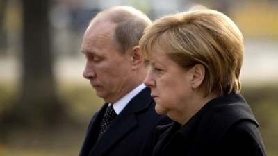 Merkel προς Putin: Να μην συνεχισθεί η αυξημένη στρατιωτική παρουσία στα σύνορα με την Ανατολική Ουκρανία