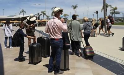 Χάος στον τουρισμό - Βρετανοί τουρίστες εγκαταλείπουν την Πορτογαλία, έως 1.000 δολ. τα εισιτήρια - Ανησυχία στην Ελλάδα