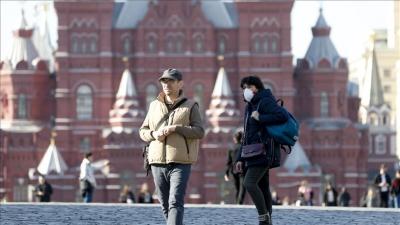 Ρωσία: Θα τίθενται σε διαθεσιμότητα οι εργαζόμενοι που δεν εμβολιάζονται