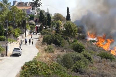 Σε ύφεση η φωτιά στο Καπανδίτη Κεφαλονιάς - Επέστρεψαν στα σπίτια τους οι κάτοικοι