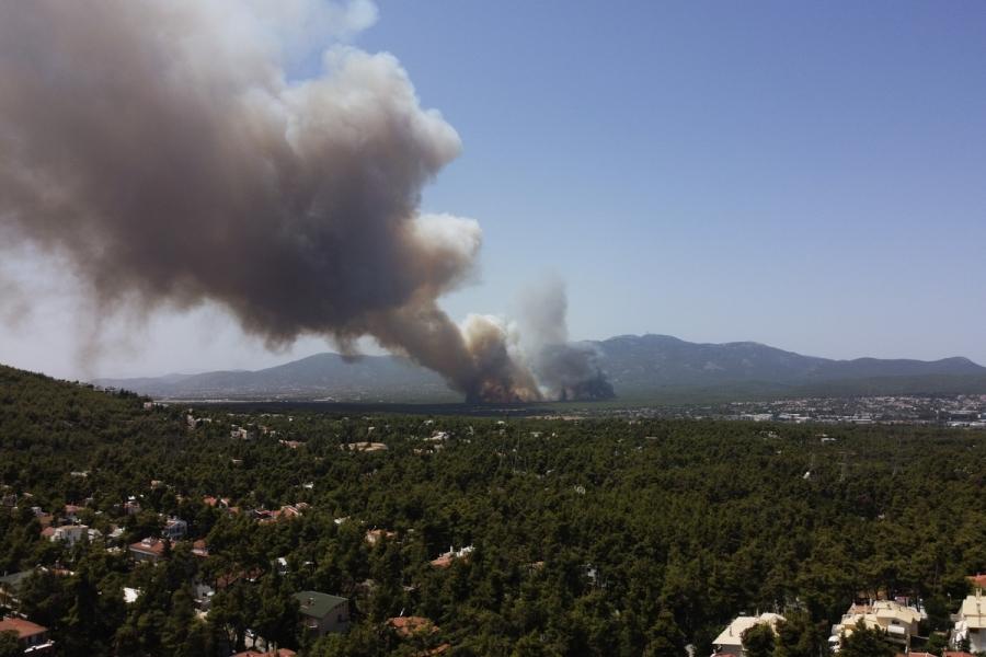 «Εκκενώστε Βαρυμπόμπη - Αδάμες»: Επείγουσα ειδοποίηση 112 για την πυρκαγιά