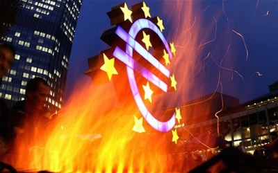 Ξεθωριάζει η παρέμβαση της ΕΚΤ που συνεχίζει προκλητικά τις τεχνικές χειραγώγησης – Πιέσεις στα ομόλογα λόγω κινδύνου υποβαθμίσεων