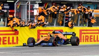 Ο Λάντο Νόρις οδηγεί την McLaren και πάλι στην κορυφή της Formula 1
