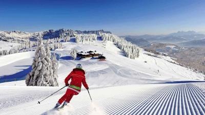 Αυστρία: Πρόστιμα 2.180 ευρώ σε 96 τουρίστες που παραβίασαν το lockdown και πήγαν για σκι