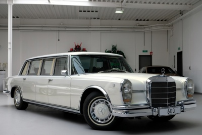 Αυτή η κλασική Mercedes-Benz 600 Pullman έχει τις ανέσεις μιας Maybach 62