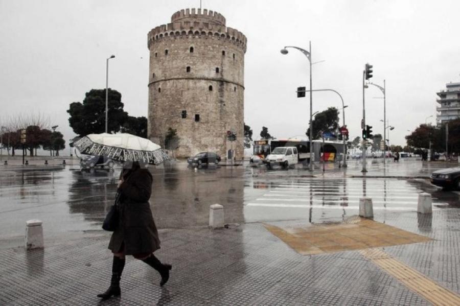 Ισχυρή βροχή και χαλάζι στη Θεσσαλονίκη