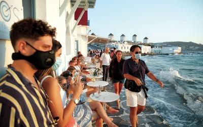 Άρση των μέτρων για τον κορωνοϊό στη Μύκονο - Ποια νησιά κινδυνεύουν να πάρουν σειρά