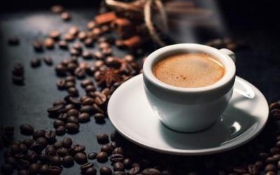 Την κατάργηση του Ειδικού Φόρου Κατανάλωσης ζητεί η Ελληνική Ένωση Καφέ