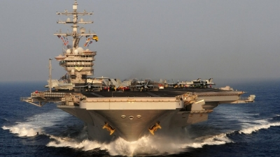 Συνεκπαίδευση με τη δύναμη κρούσης του αμερικανικού αεροπλανοφόρου «USS Eisenhower»
