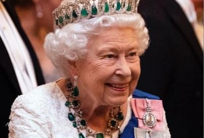 Αποκάλυψη Guardian: Η βασίλισσα Ελισάβετ πίεσε για αλλαγή νομοθεσίας ώστε να κρύψει την αμύθητη περιουσία