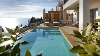 Επενδυτικός πυρετός στην Ελλάδα από ξένους ομίλους - Μεγάλα deals στον τουρισμό
