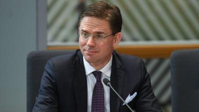 Katainen (Κομισιόν): H Πολωνία να καταλάβει ότι η ΕΕ δεν είναι μια μηχανή παραγωγής χρήματος