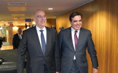 Συνάντηση Δένδια (ΥΠΕΞ) - Σχοινά (ΕΕ) για μετανάστευση και ελληνοτουρκικά