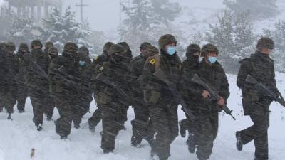 Εντυπωσιακές εικόνες από χειμερινή εκπαίδευση της Σχολής Ευελπίδων