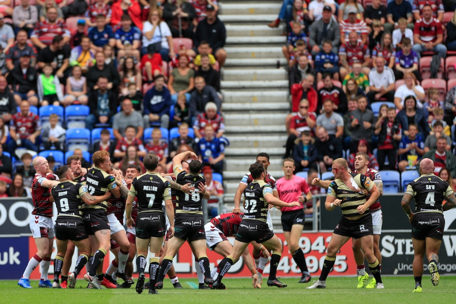 Άγριος τσακωμός σε αναμέτρηση ράγκμπι ανάμεσα στην Wigan και την Leigh!