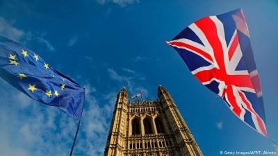 Υπέρ της παραμονής στην ΕΕ το 56,8% των Βρετανών – Μόλις το 34,9% υπέρ του Brexit