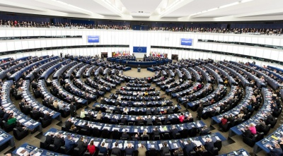Μεγάλη δημοσκόπηση: Τα ακροδεξιά κόμματα θα διπλασιάσουν τις έδρες τους στο Ευρωκοινοβούλιο